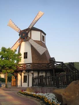 мельница в «Музее хлеба и вина» в с.Архипо-Осиповка