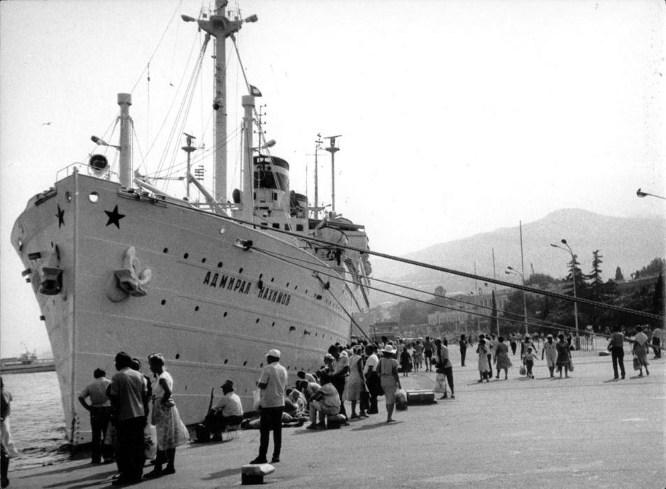 фото крушение лайнера адмирал нахимов купить выгодной цене